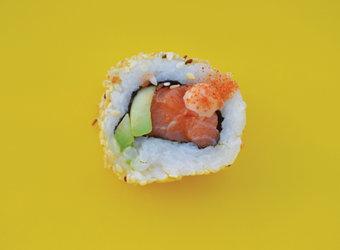 Uramaki salmón